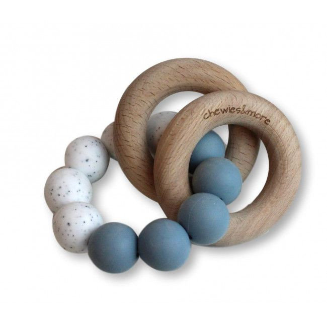 Chewie basic Rattle - Dusty blue/wit